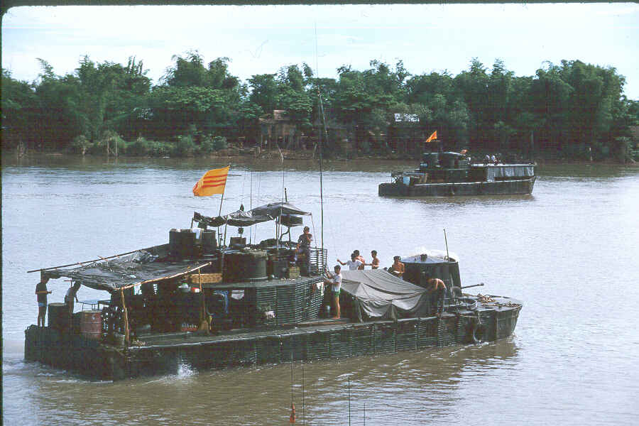 https://brownwater-navy.com/vietnam/photos/Boats6.jpg